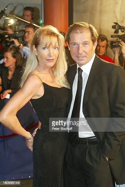 Michael Lesch Ehefrau Christina Keiler ARDGalaBambi 2002 Preisverleihung EstrellHotel Berlin Deutschland Europa Medienpreis Empfang PNr 1135/2002
