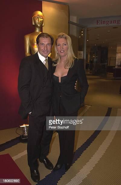Michael Lesch Ehefrau Christina Keiler Deutsches Theater München Deutscher Videopreis 2002 Abendkleid Frau