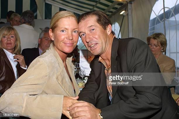 Michael Lesch und Ehefrau Christina Keiler GolfGala während dem GolfTurnier für Uwe SeelerStiftung Achim GrothennsGasthof Party Frau