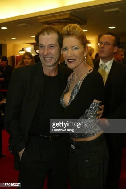 Michael Lesch Und Freundin Christina Kaiser Bei Der Verleihung Des Diva 2004 In München