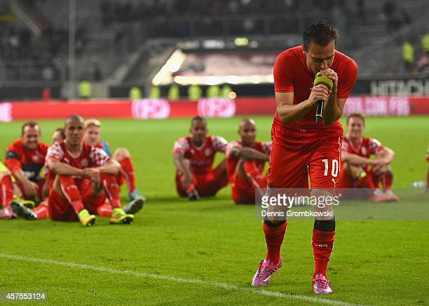 Michael Liendl of Fortuna Duesseldorf celebrates with fans after the Second Bundesliga match between Fortuna Duesseldorf and FC St Pauli at ESPRIT...