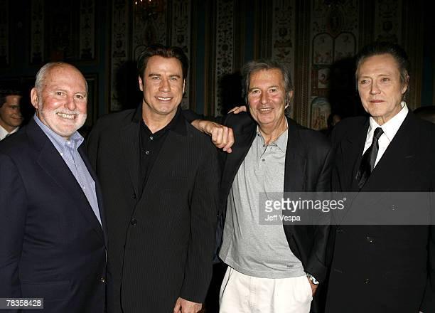 ¿Cuánto mide Christopher Walken? Michael-lynne-of-new-line-john-travolta-bob-shaye-of-new-line-and-picture-id78358428?s=612x612