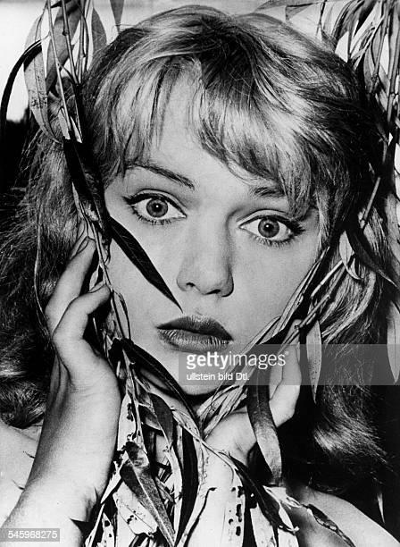 Michael, Marion - Actress, Germany - *-+ Scene from the movie 'Liane - das Maedchen aus dem Urwald' engl. Title : 'Liane, Jungle Goddess' Directed...