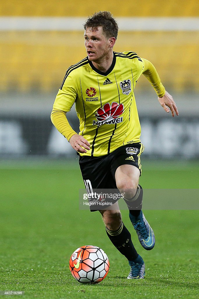 A-League Rd 1 - Wellington v Newcastle : News Photo