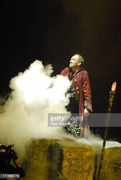 Michael Mendl Deutschlandpremiere Excalibur Die musikalische Auferstehung einer Legende von Alan Simon BremenArena Bremen Deutschland Europa Premiere...