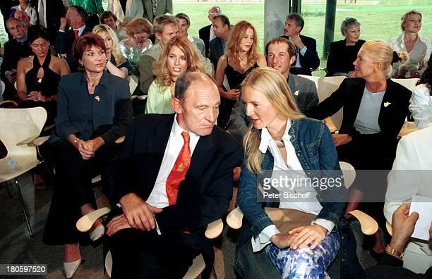 Michael Mendl Lebensgefährtin/Freundin Carolin Fink Leipzig ARDBoulevardMagazin 'Brisant' 2000 Sendung Jubiläum