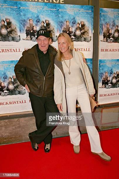 Michael Mendl Und Freundin Carolin Fink Bei Der Premiere Zum Kinofilm Bergkristall Im Filmtheater Sendlinger Tor In München Am 141104