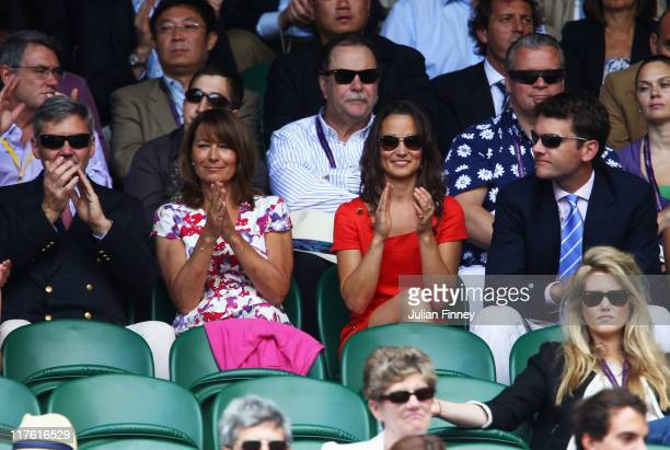 Michael Middleton, Carole Middleton, Pippa Middleton and Alex Loudon attend the quarterfinal round match between Roger Federer of Switzerland and...