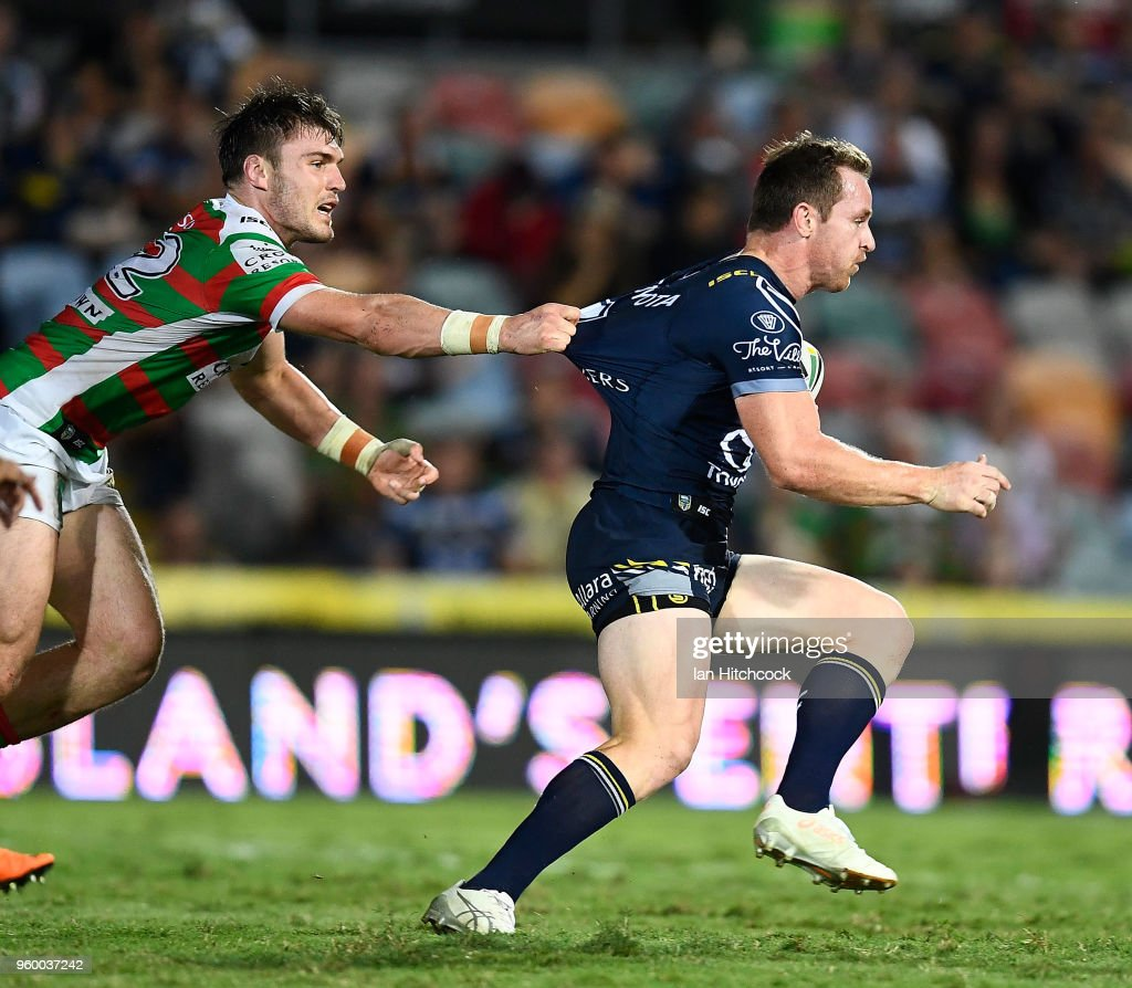 NRL Rd 11 - Cowboys v Rabbitohs : News Photo