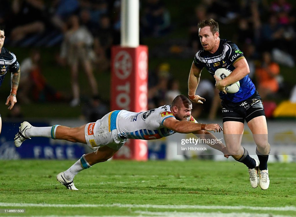 NRL Rd 8 - Cowboys v Titans : News Photo