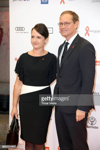 Michael Mueller and his wife Claudia Mueller attend the Artists Against Aids Gala at Stage Theater des Westens on October 23 2017 in Berlin Germany