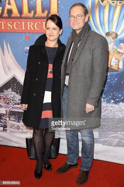 Michael Mueller mit Ehefrau Claudia Mueller attend the 14th Roncalli Christmas Circus Premiere at Tempodrom on December 16 2017 in Berlin Germany