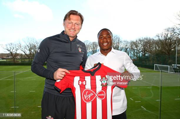 Michael Obafemi signs a new three and a half year contract with Southampton FC pictured with manager Ralph Hasenhuttl at the Staplewood Campus on...