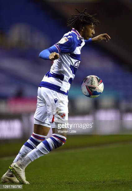 Michael Olise of Reading FC controla the ball during the Sky Bet Championship match between Reading and Norwich City at Madejski Stadium on December...