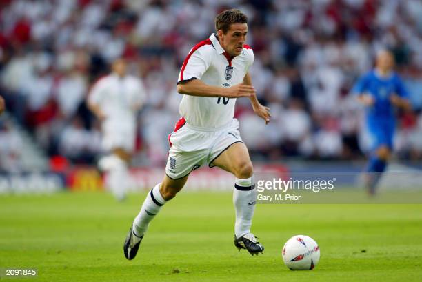 Michael Owen of England charges forward during the UEFA European Championships 2004 Group 7 Qualifying match between England and Slovakia held on...