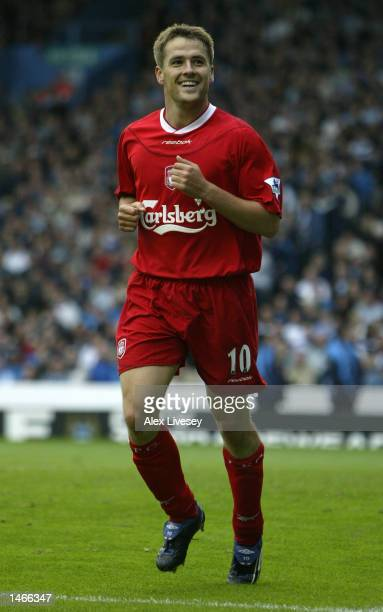 Michael Owen of Liverpool celebrates his goal during the FA Barclaycard Premiership match between Manchester City and Liverpool at Maine Road in...