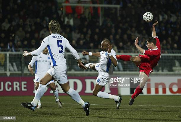 Michael Owen of Liverpool mishits a shot during the UEFA Cup fourth first leg round match between AJ Auxerre and Liverpool at the AbbeDeschamps...