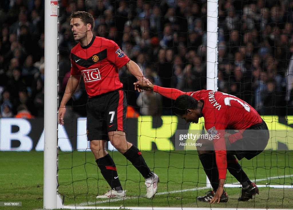 Manchester City v Manchester United - Carling Cup Semi Final : News Photo