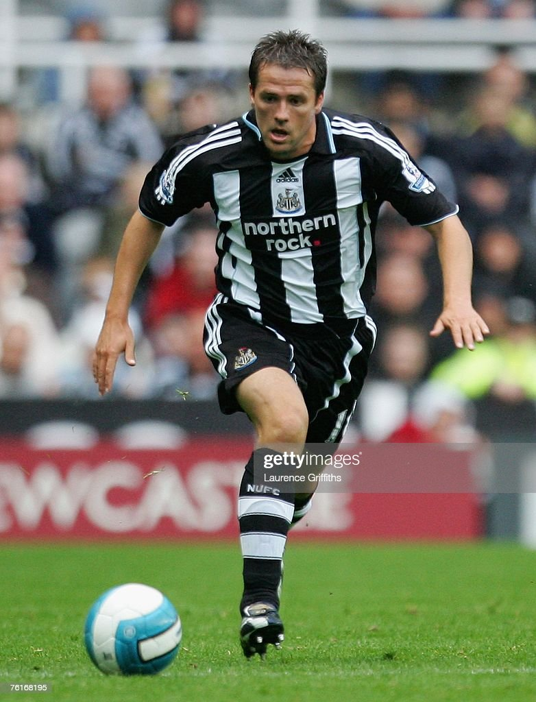 Michael Owen of Newcastle United in action during the Barclays Premier League match between Newcastle United and Aston Villa at St James' Park on August 18, 2007 in Newcastle, England.