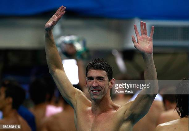 Michael Phelps of the United States thanks the crowd after winning gold in the Men's 4 x 100m Medley Relay Final on Day 8 of the Rio 2016 Olympic...