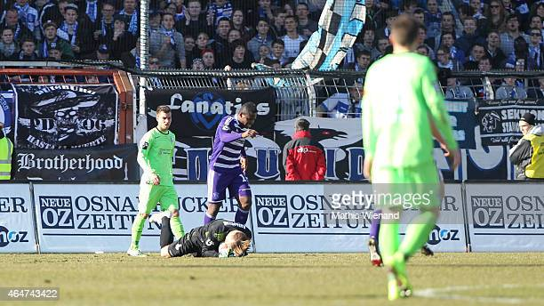 Michael Ratajczak of Duisburg catch the ball during the Third League match between VfL Osnabrueck and MSV Duisburg at Osnatel Arena on February 28...