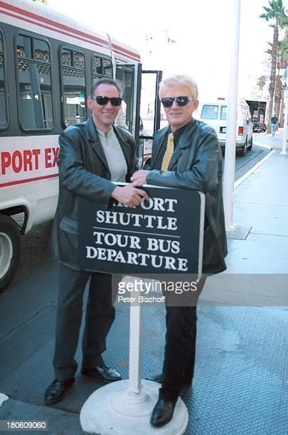 Michael Rautenberg und Schwiegervater Heino RPRHörerreise Las Vegas/Nevada/USA/Amerika Schwiegersohn Bus Bushaltestelle Sonnenbrille VolksmusikSänger...