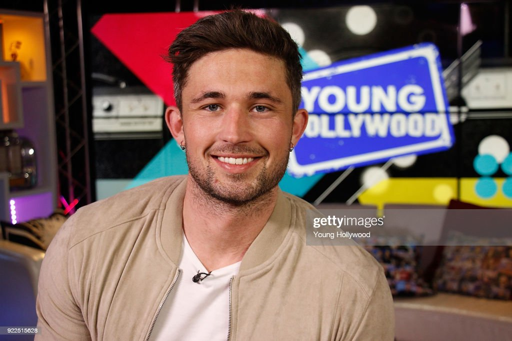 Michael Ray Visits Young Hollywood Studio