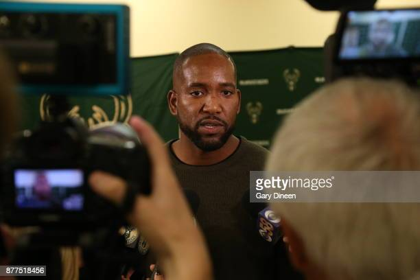 Michael Redd former player of the Milwaukee Bucks talks to the media during the distribution of Thanksgiving dinner baskets on November 21 2017 at...