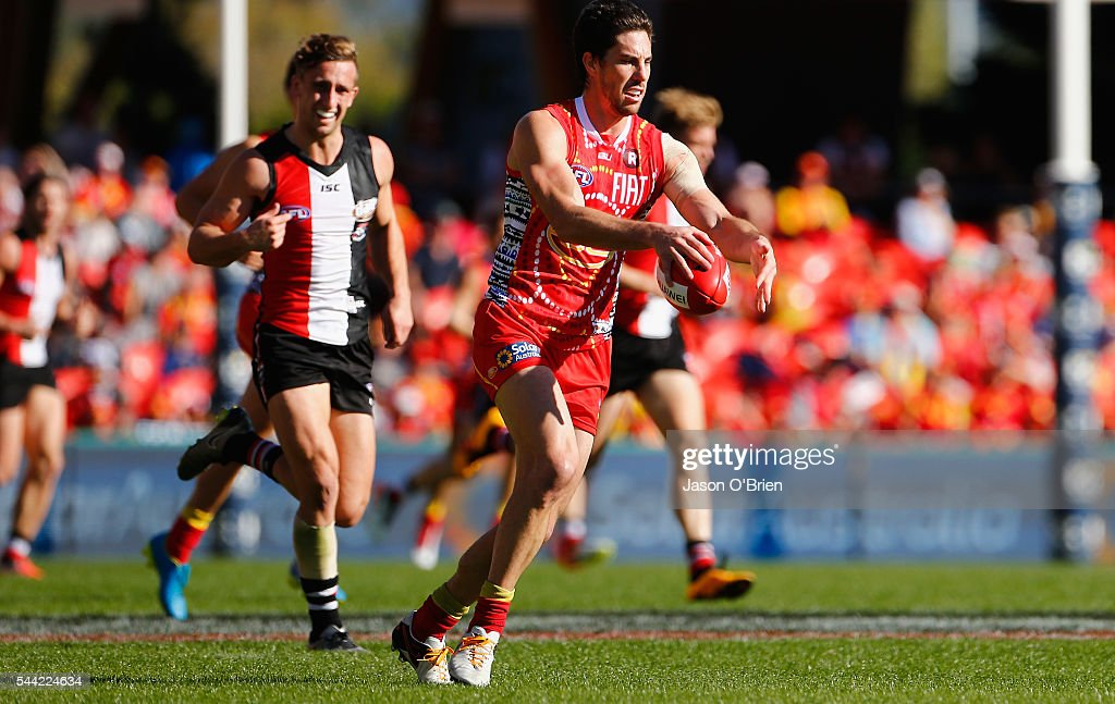 AFL Rd 15 - Gold Coast v St Kilda : News Photo