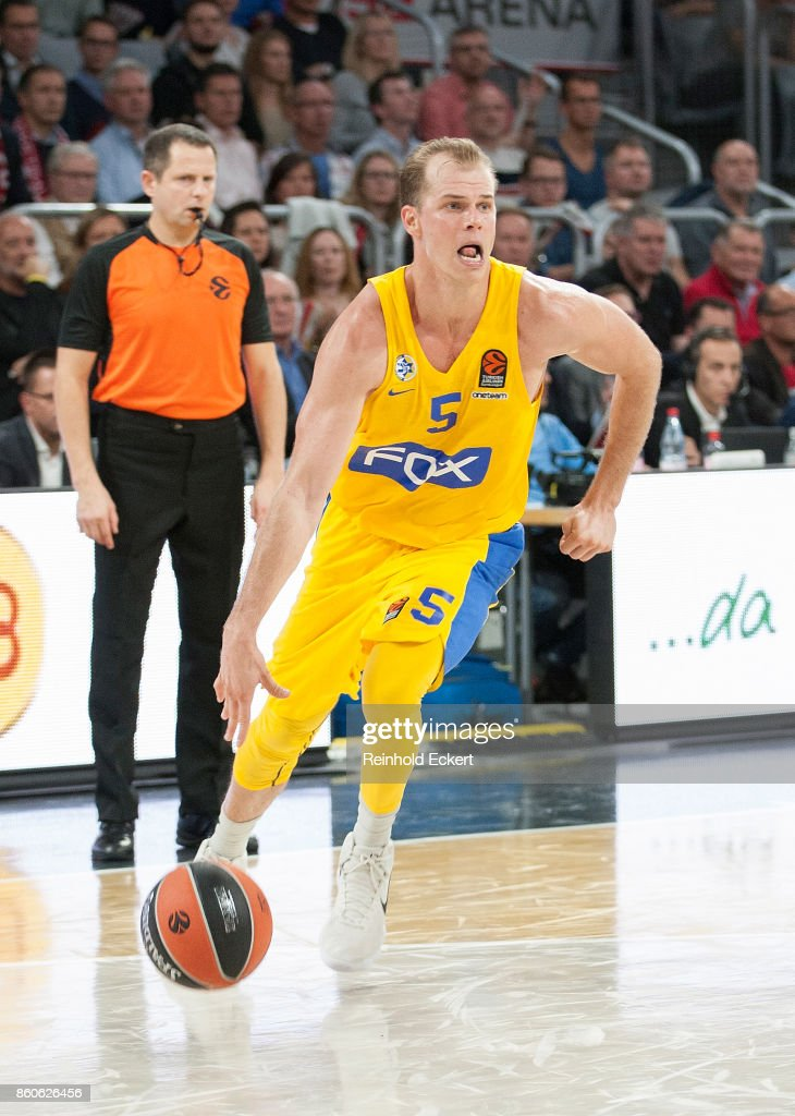 Michael Roll, #5 of Maccabi Fox Tel Aviv in action during the 2017/2018 Turkish Airlines EuroLeague Regular Season Round 1 game between Brose Bamberg v Maccabi Fox Tel Aviv at Brose Arena on October 12, 2017 in Bamberg, Germany.
