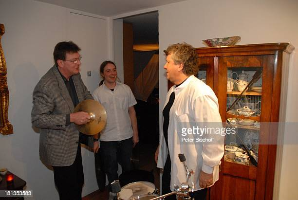 Michael Schanze Gast Sohn Florian Party zum 60 Geburtstag von Michael Schanze München Bayern Deutschland Feier Schlagzeug Sänger Moderator