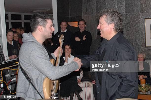 Michael Schanze Musiker Musikgruppe JamKombinat mit Sohn F l o r i a n S c h a n z e am Schlagzeug Konzert Gste Party zum 60Geburtstag von M i c h a...
