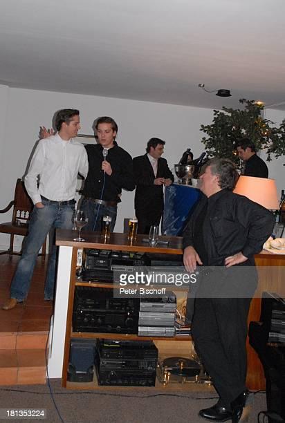 Michael Schanze Sohn Sebastian dessen ZwillingsBruder Patrick Gäste Party zum 60 Geburtstag von Michael Schanze München Bayern Deutschland Feier...