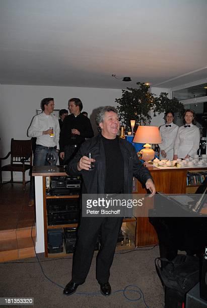 Michael Schanze Sohn Sebastian dessen ZwillingsBruder Patrick Musiker Party zum 60 Geburtstag von Michael Schanze München Bayern Deutschland Feier...