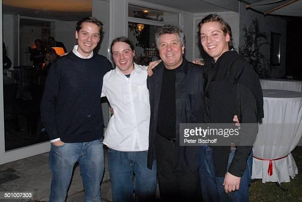 Michael Schanze Sohn Sebastian dessen ZwillingsBruder Patrick Sohn Florian Schanze Party zum 60 Geburtstag von Michael Schanze München Bayern...