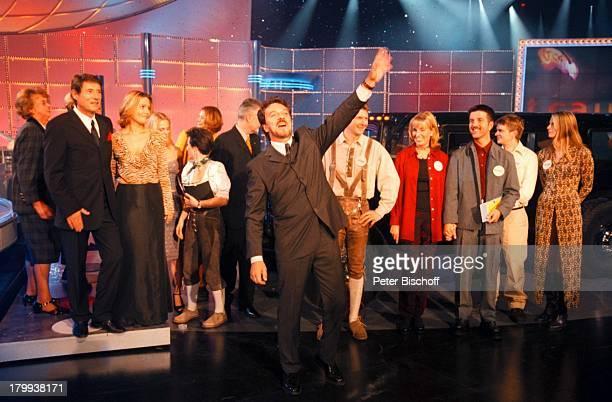 Michael Schanze Udo JürgensTochter Jenny Jürgens Gäste KandidatenPaare Traumstart ZDFSpielshowEilenriedenhalle Hannover Zettel Tische
