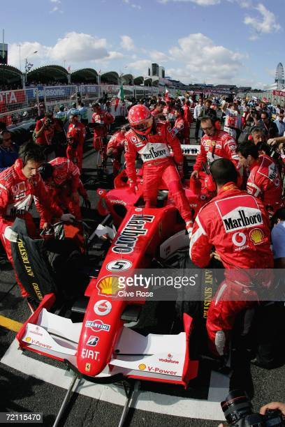 Michael Schumacher of Germany and Ferrari on the grid prior to the Japanese F1 Grand Prix at the Suzuka Circuit on October 8, 2006 in Suzuka, Japan.