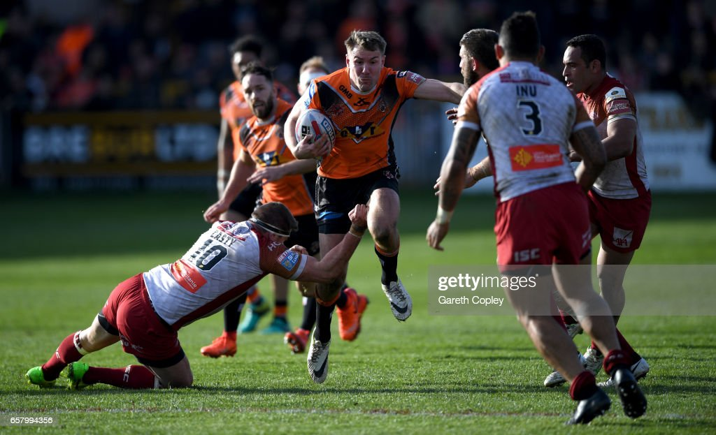 Castleford Tigers v Catalans Dragons - Betfred Super League : News Photo