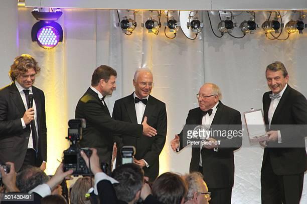 Michael Steinbrecher Jens Bischof Franz Beckenbauer Uwe Seeler Wolfgang Niersbach Gala 32 Deutscher Sportpresseball Alte Oper Frankfurt Hessen...