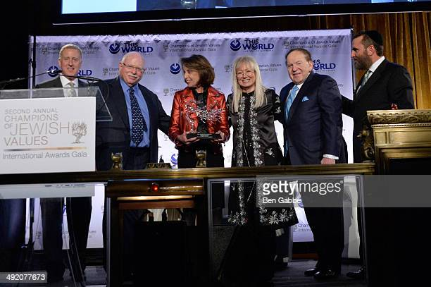 Michael Steinhardt and Judy Steinhardt accept Champions of Jewish Identity Award during World Jewish Values Network second annual gala dinner on May...