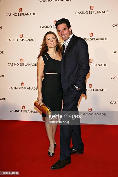 Michael Stich Mit Ehefrau Alexandra Bei Der Eröffnung Des 'Casino Esplanade' In Hamburg Am 011206