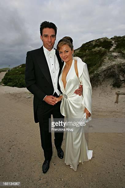 Michael Stich Und Alexandra Stich Beim Empfang In Der Sansibar Am Abend Nach Der Kirchlichen Hochzeit Von Stich In Rantum Auf Sylt Am 110605
