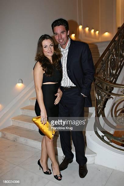Michael Stich Und Ehefrau Alexandra Bei Der Eröffnung Des 'Casino Esplanade' In Hamburg Am 011206