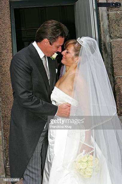 Michael Stich Und Ehefrau Alexandra Bei Ihrer Kirchlichen Hochzeit Von Stich In Der St Severin Kirche In Keitum Auf Sylt Am 110605
