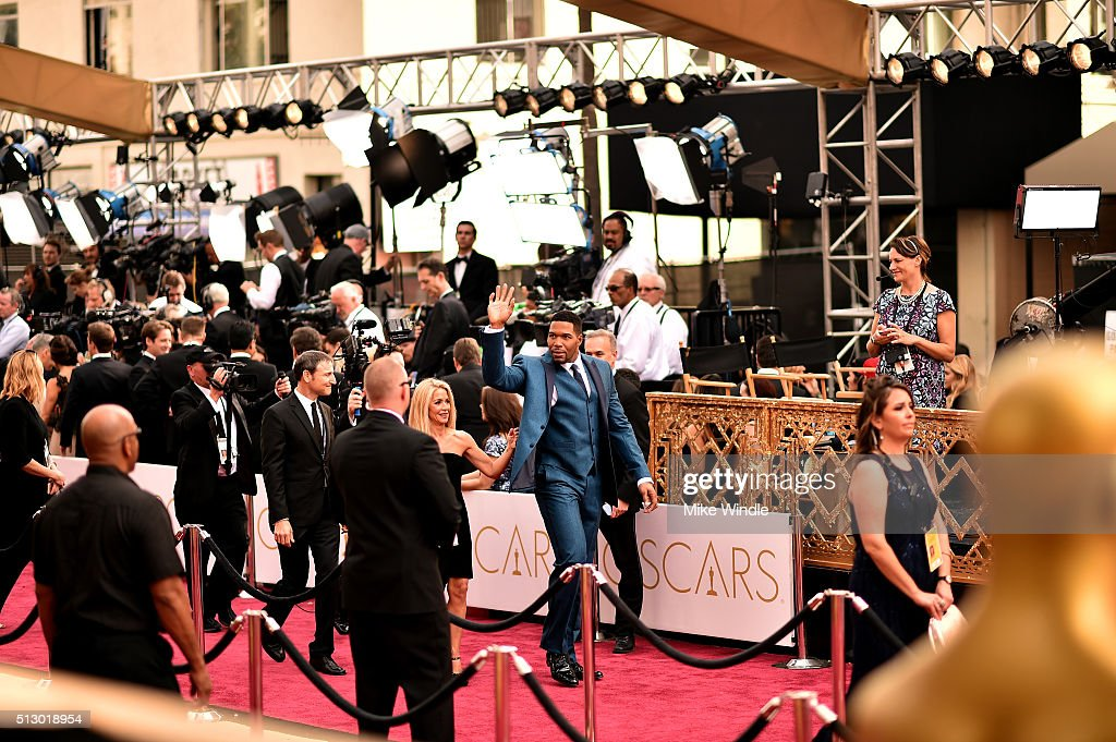 Michael Strahan attends the 88th Annual Academy Awards at Hollywood & Highland Center on February 28, 2016 in Hollywood, California.