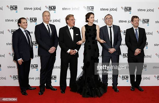 Michael Stuhlbarg Jeff Daniels Aaron Sorkin Katherine Waterston Danny Boyle and Christian Colson attend the Steve Jobs Closing Night Gala during the...
