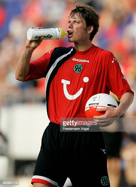 Michael Tarnat of Hannover during the Bundesliga match between Hanover 96 and Eintracht Frankfurt at the AWD Arena on September 10 2005 in Hanover...