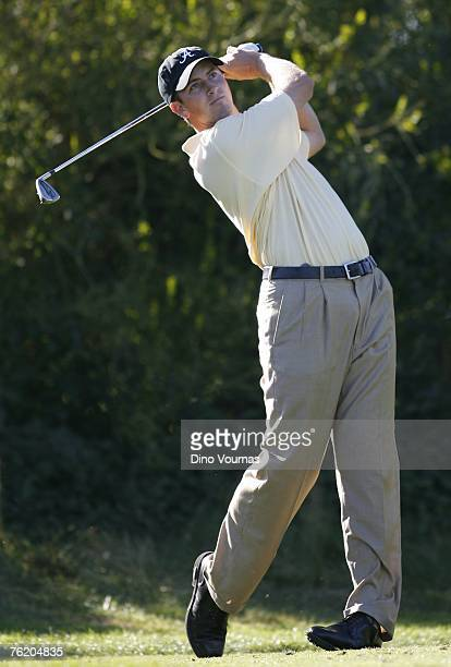 Michael Thompson hits a tee shot in the first round of the U.S. Amateur at the Olympic Club, August 20, 2007 in San Francisco, California.