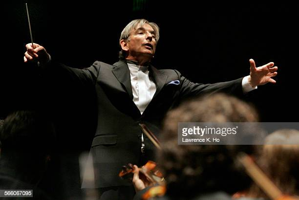 Michael Tilson Thomas conducting the USC Symphony at Bovard Hall at USC on Oct 5 2009 The celebrated conductor Michael Tilson Thomas returns to his...