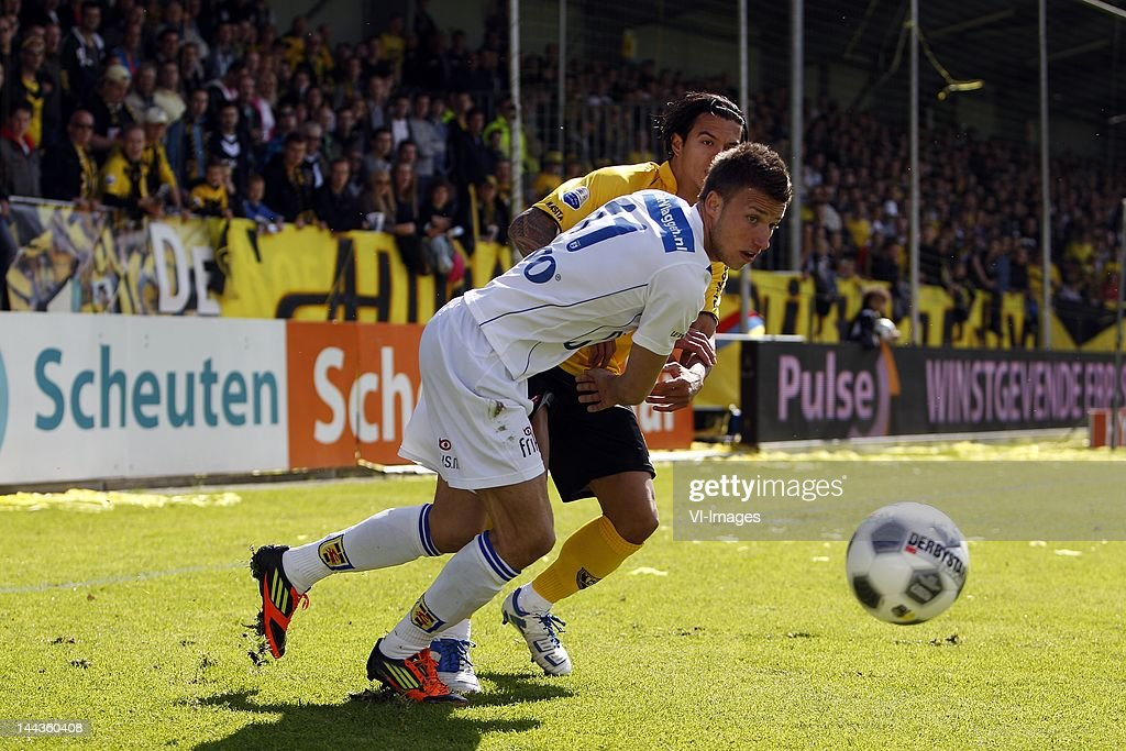 Michael Timisela Of Vvv Venlo Melvin De Leeuw Of Sc Cambuur During News Photo Getty Images